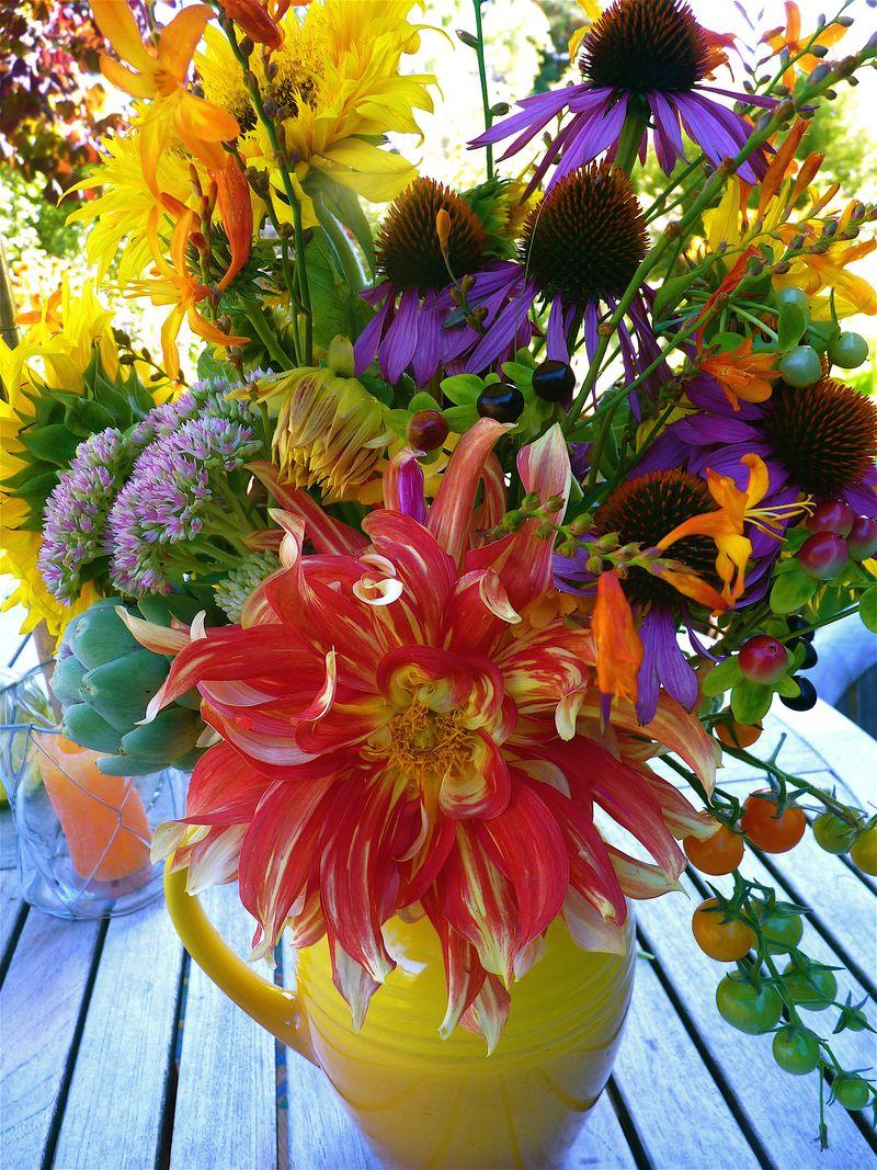 Dahlia bouquet 1
