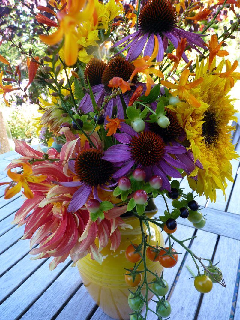 Dahlia bouquet 2