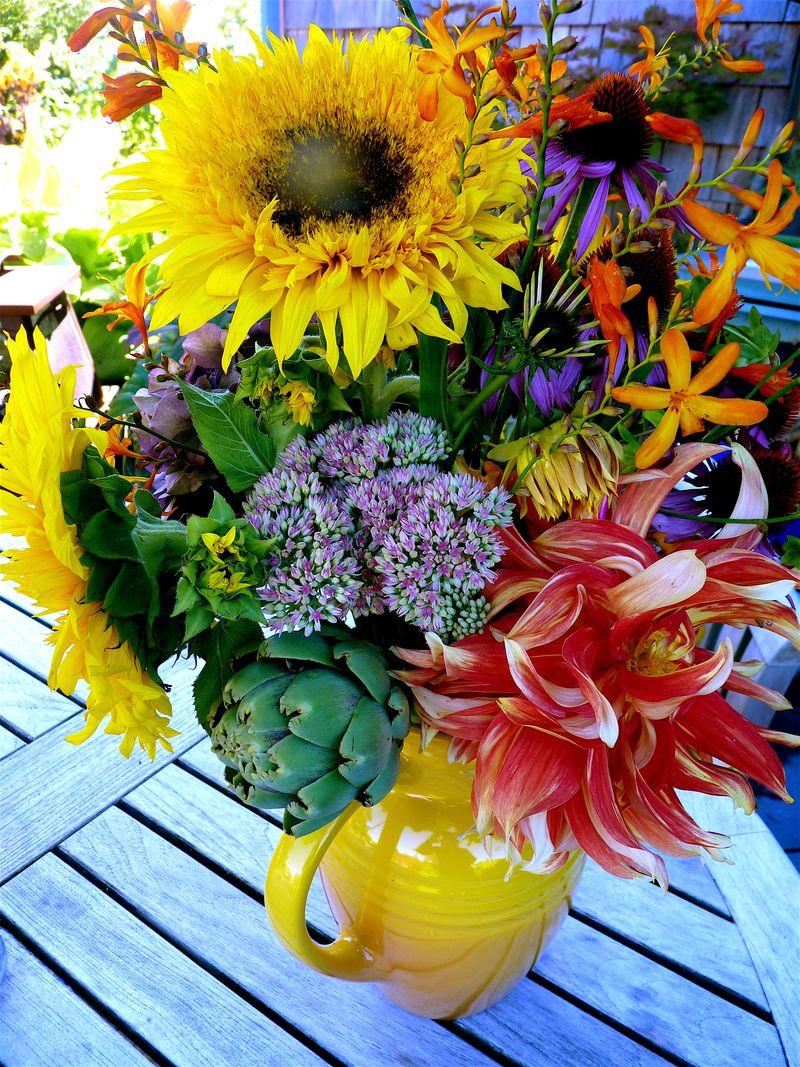 Dahlia bouquet 3