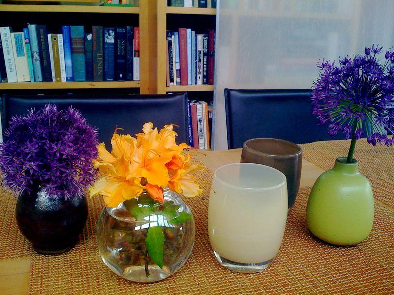 Vase:books