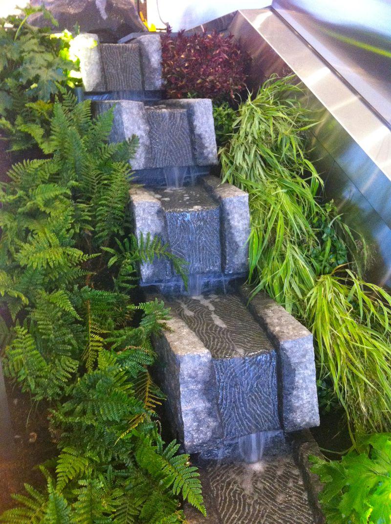 U V. waterfall